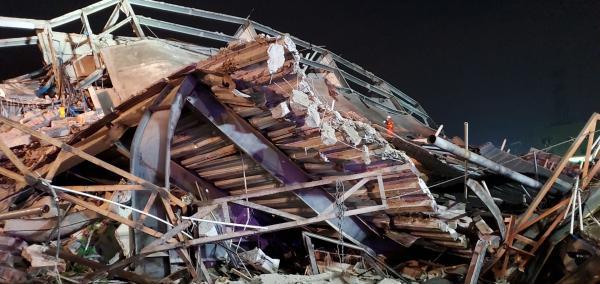 从福建泉州欣佳酒店意外倒塌原因分析中吸取血的教训 6